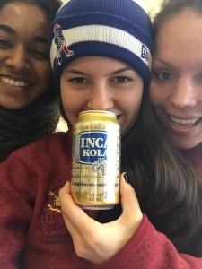 Inca Kola es una bebida gaseosa originaria del Perú. Aunque es consumida, principalmente, en el Perú también es comercializada en los Estados Unidos y es propiedad de Coca Cola.