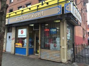 La agencia de viajes donde hablamos con Rosie.