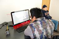 Alejandro grabando la entrevista con Marcos