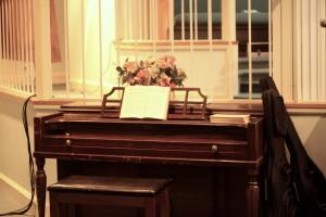 El piano en la iglesia