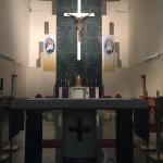 Interior de la iglesia con capacidad para 850 personas